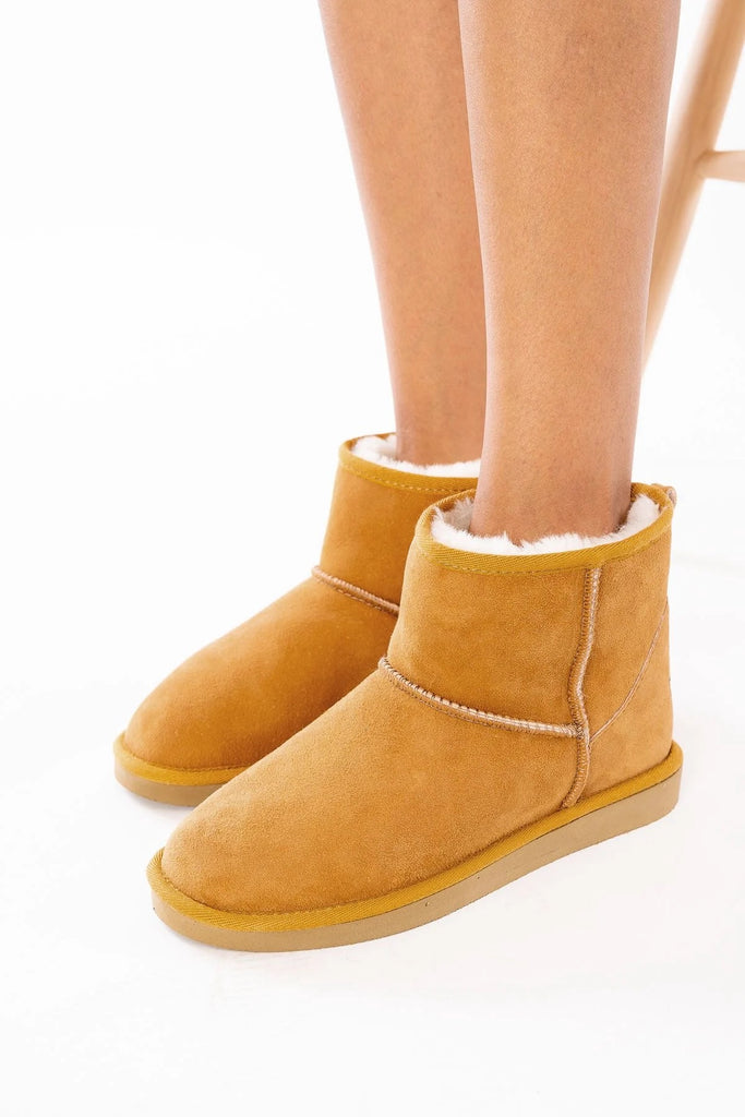 Classic Sheepskin Boots for Ladies - Tobacco, Suede