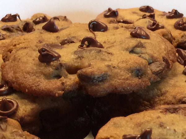 Classic Chocolate Chip Cookies - Lick My Spoon