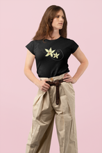 Load image into Gallery viewer, T-Shirt Vanilla Flower