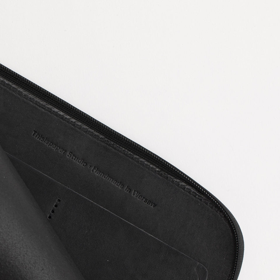 A7+ Leather Wallet Solid Black