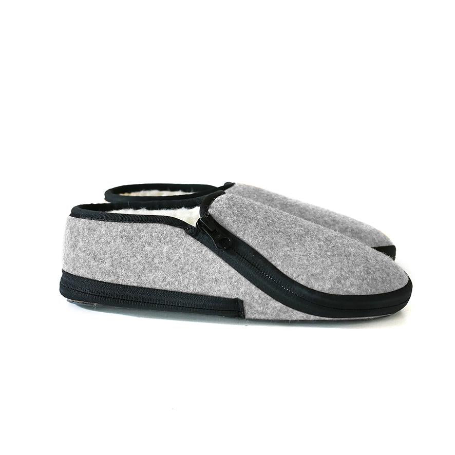 Lazy Lasso Slippers in Grey