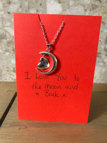 'I love you to the moon and back' necklace card