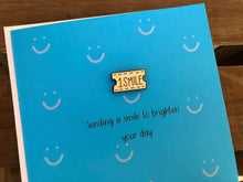 Load image into Gallery viewer, 'Sending A Smile' keepsake card