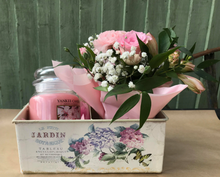 Load image into Gallery viewer, Flowers and Yankee Candle Gift