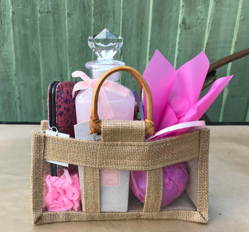 Bath and Pamper Gift Set