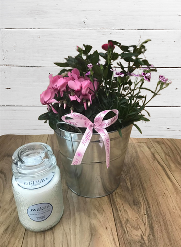 Beautiful Mother's Day Planter with Limited Edition Yankee Candle