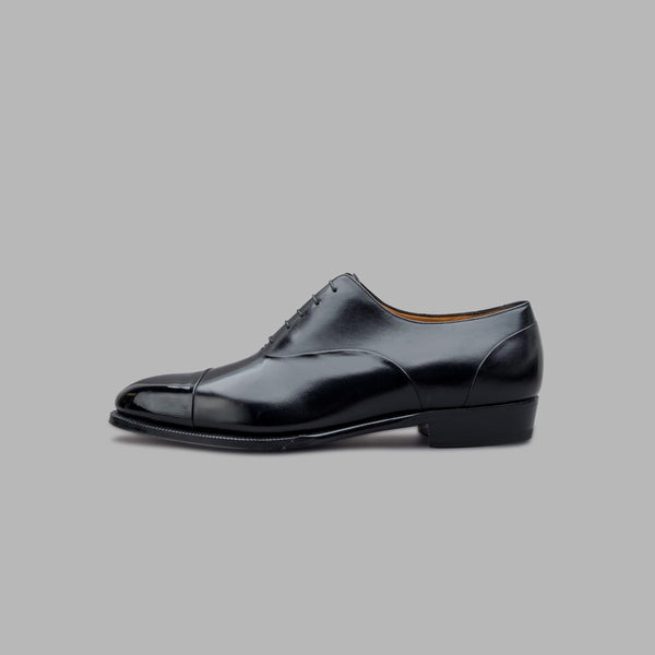 Cap Toe Oxford with Hidden Seams