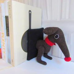 Front of dachshund bookends for large books in brown