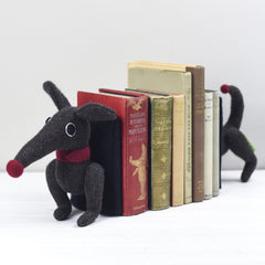 dachshund bookends in brown for large books