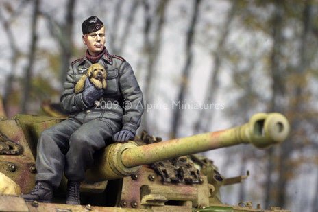 ALP35088 German Panzer Crew with puppy