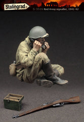 Red Army Signaller, 1941-42