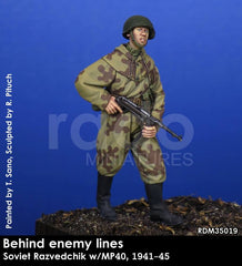 Behind Enemy Lines, Soviet Razvedchiki w/MP40, 1941-45