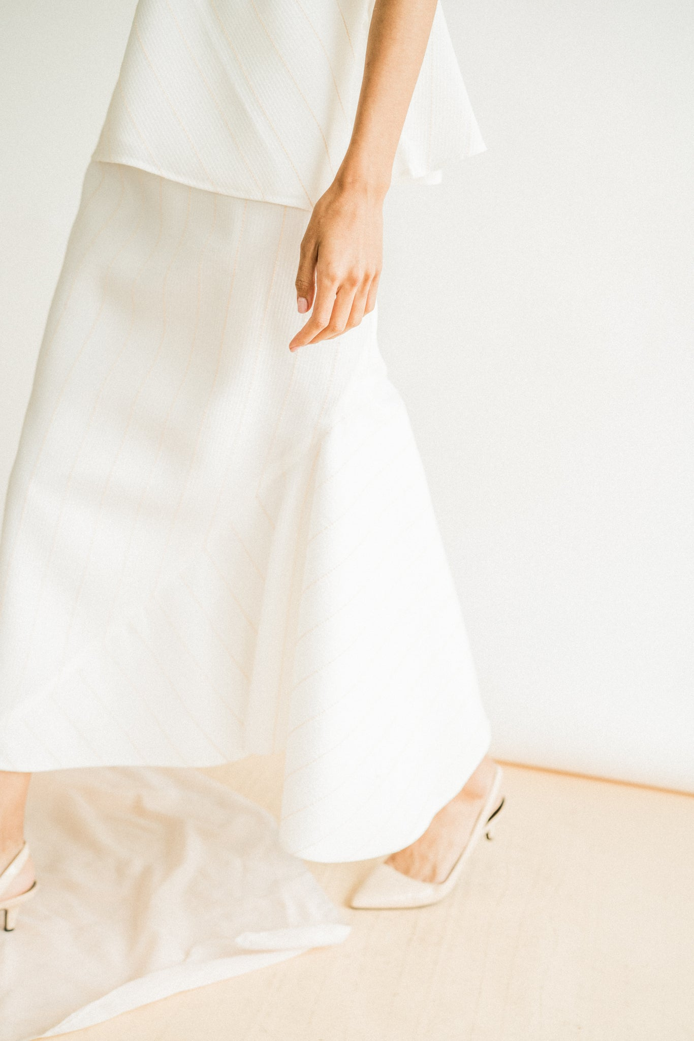Lia Skirt in White Peach
