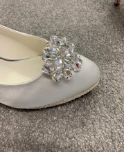 Load image into Gallery viewer, Crystal Shoe Clips