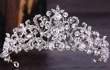 Load image into Gallery viewer, Helen Hair Tiara