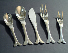 Load image into Gallery viewer, Supreme Stainless Steel 20-Piece Fish Flatware Set