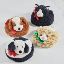 Load image into Gallery viewer, Drinkwear 4-Piece Pets Plush Coaster