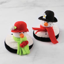 Load image into Gallery viewer, Drinkwear 4-Piece Snowies Plush Coaster