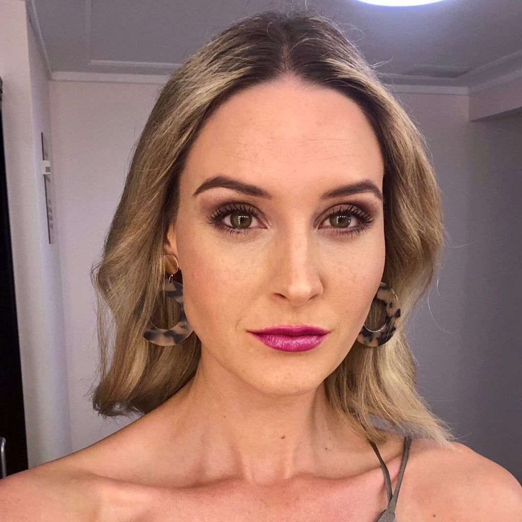 Kimberly Bustead wearing Permission Lipstick by Leesa Barr Cruelty free makeup & cosmetics Gladstone & Tannum Sands, Queensland