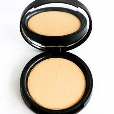 Multi-Tasking Pressed Powder Foundation No.3 - leesabarr.com.au