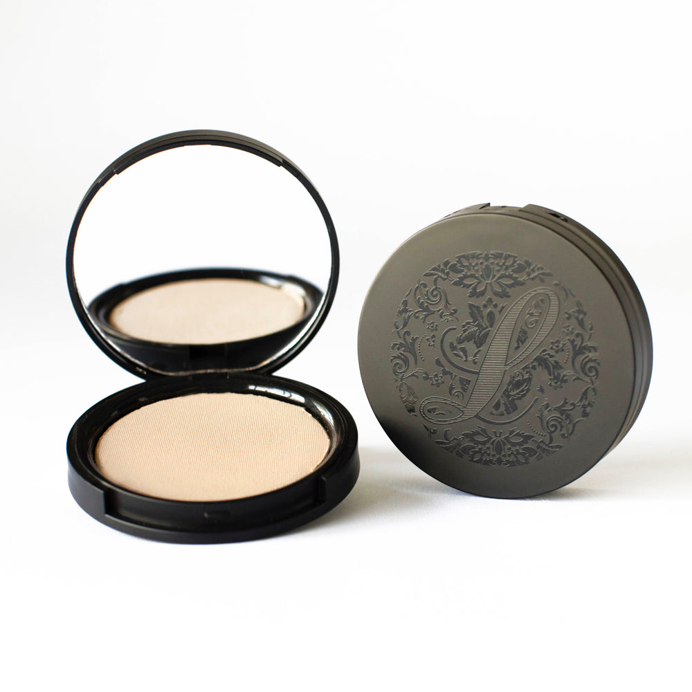Multi-Tasking Pressed Powder Foundation No.2 - leesabarr.com.au