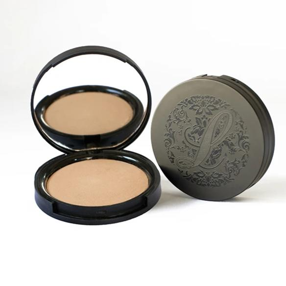 Multi-Tasking Pressed Powder Foundation No.4.5 - leesabarr.com.au