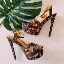 Load image into Gallery viewer, Camo Here Camouflage Print Heels