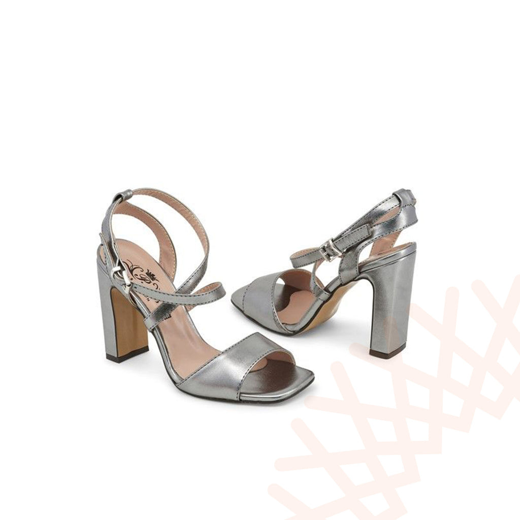 Paris Hilton Vera Pelle Women Shoes