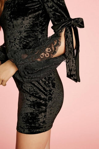 Image of VESTIDO NEGRO TERCIOPELO BLOW ANIYE BY