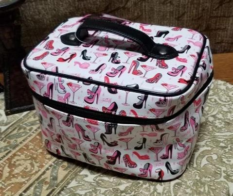 Fluff - White & Pink Tote Bag
