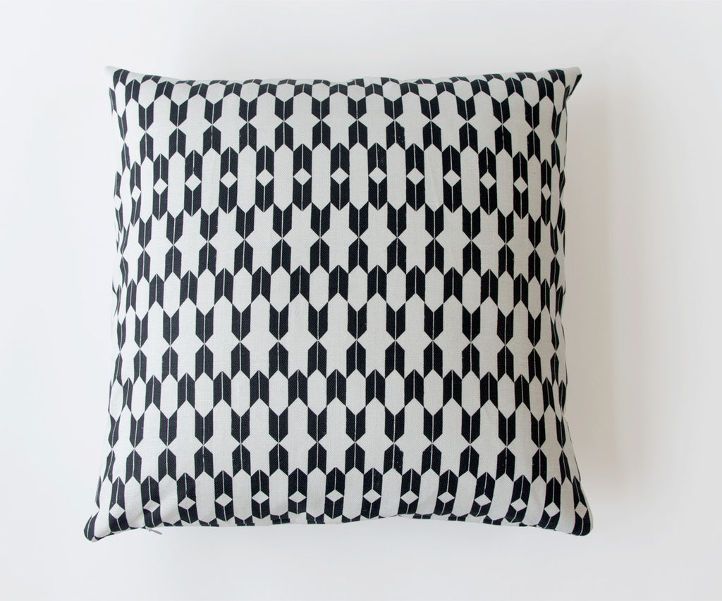 ENDLESS ARROWS PRINTED PILLOW IN BLACK