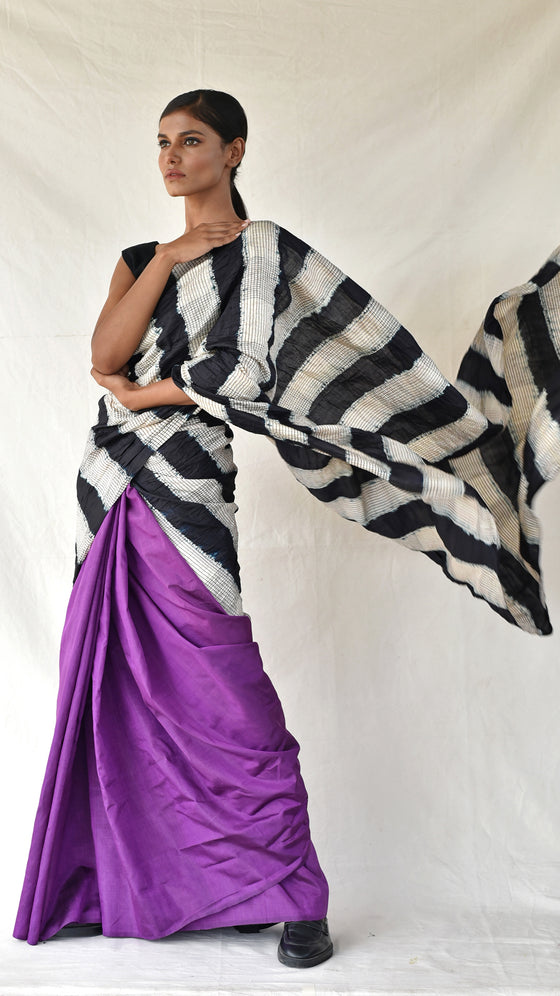 Colour-blocked Checkered Silk Saree