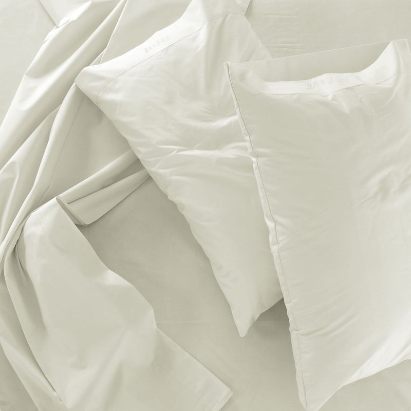 Ivory Fitted Sheet with 2 Pillow Cases