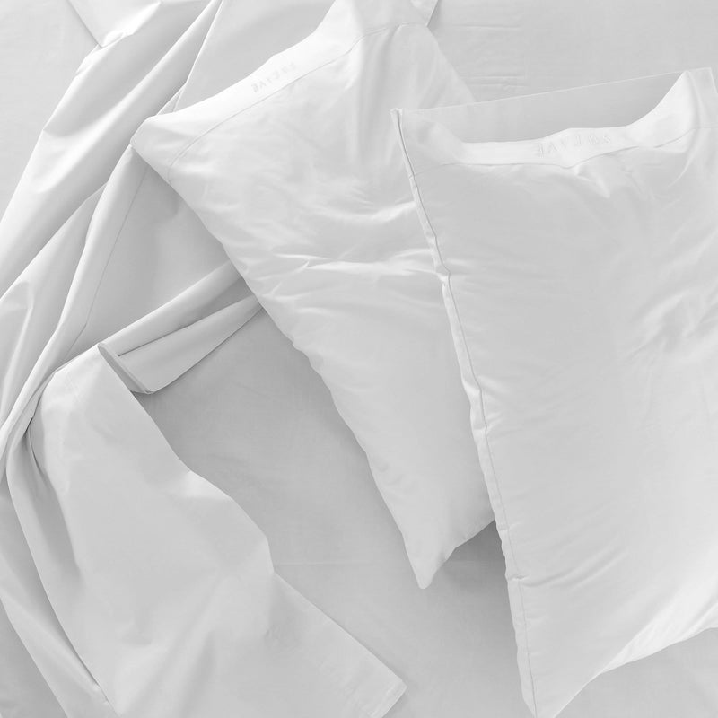 White Fitted Sheet with 2 Pillow Cases