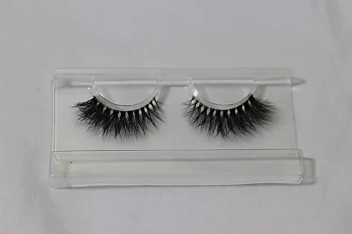 """HOLLYWOOD"" lashes"