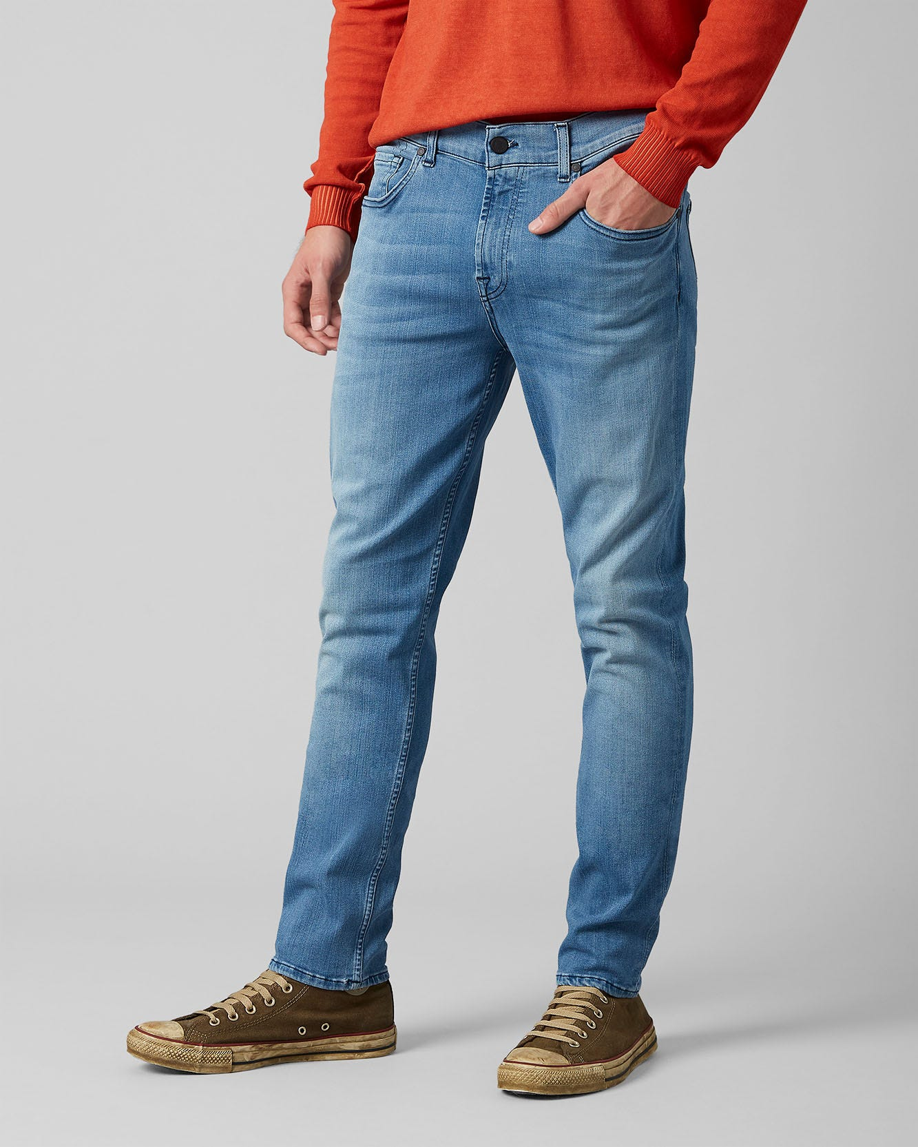 Slimmy Tapered Luxe Performance Plus Light Blue Jean