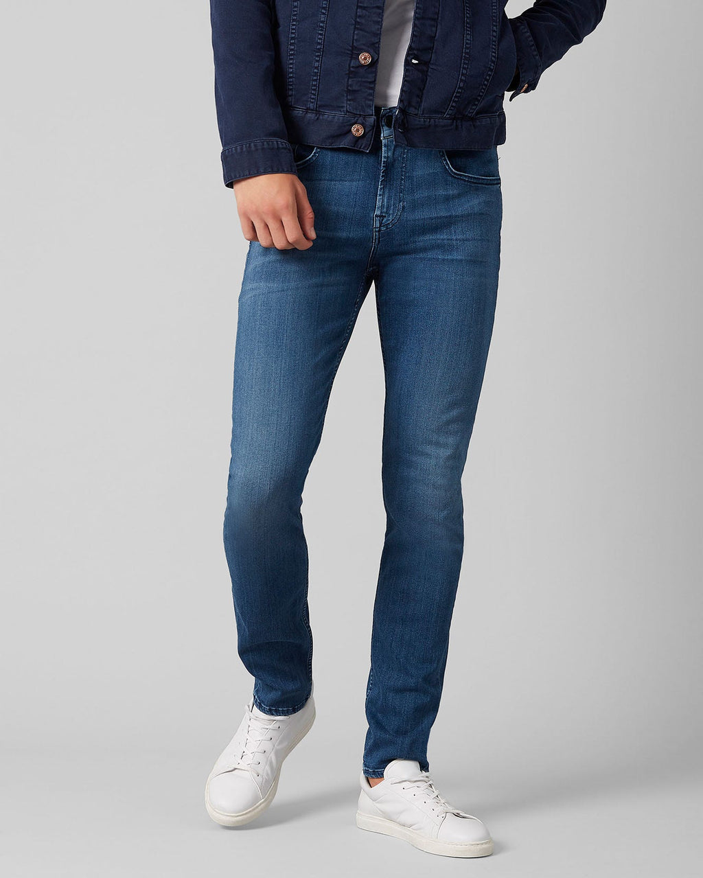 Slimmy Tapered Luxe Performance Plus Mid Blue Jean