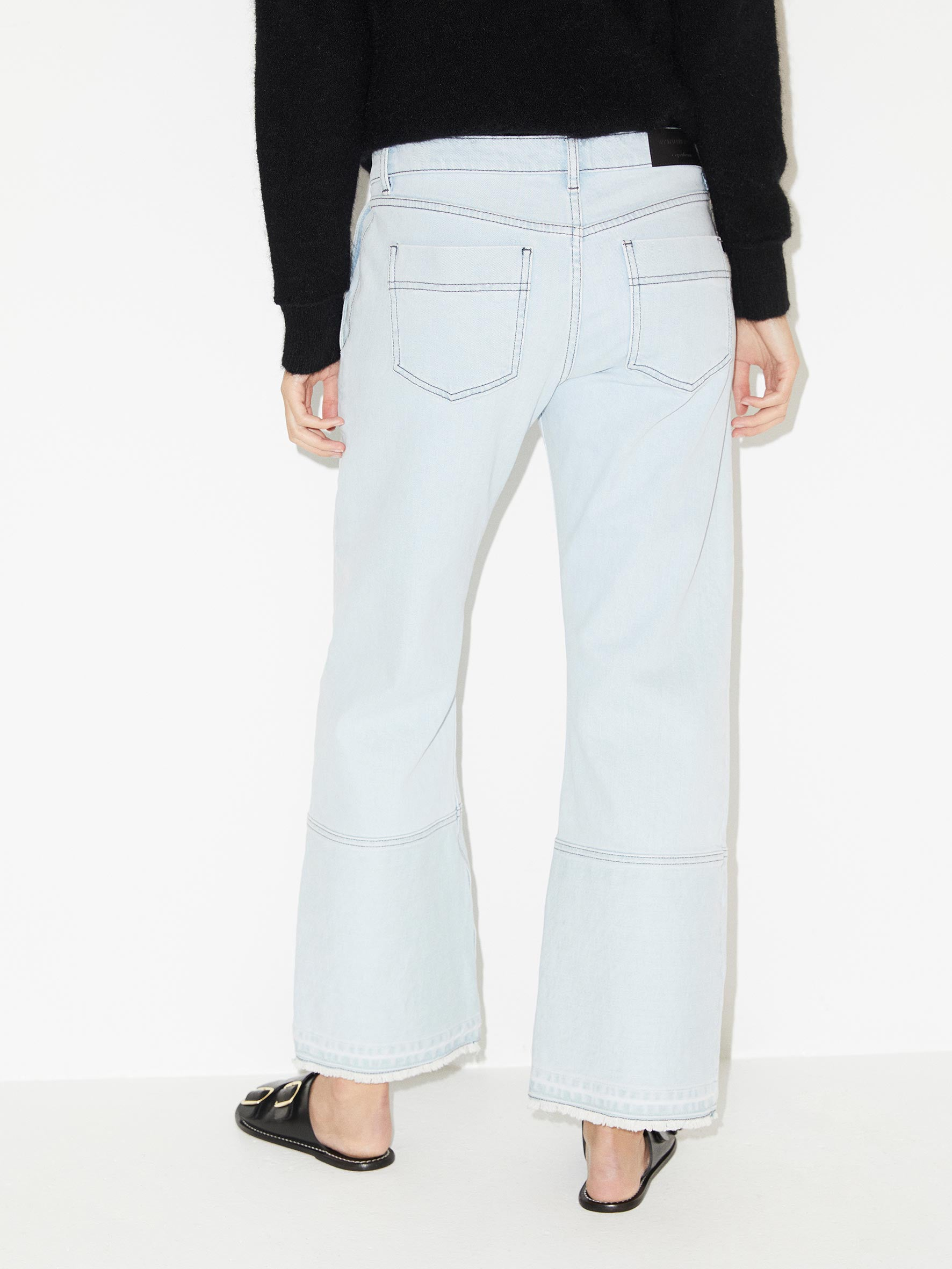 Helia Distressed Cropped Jeans