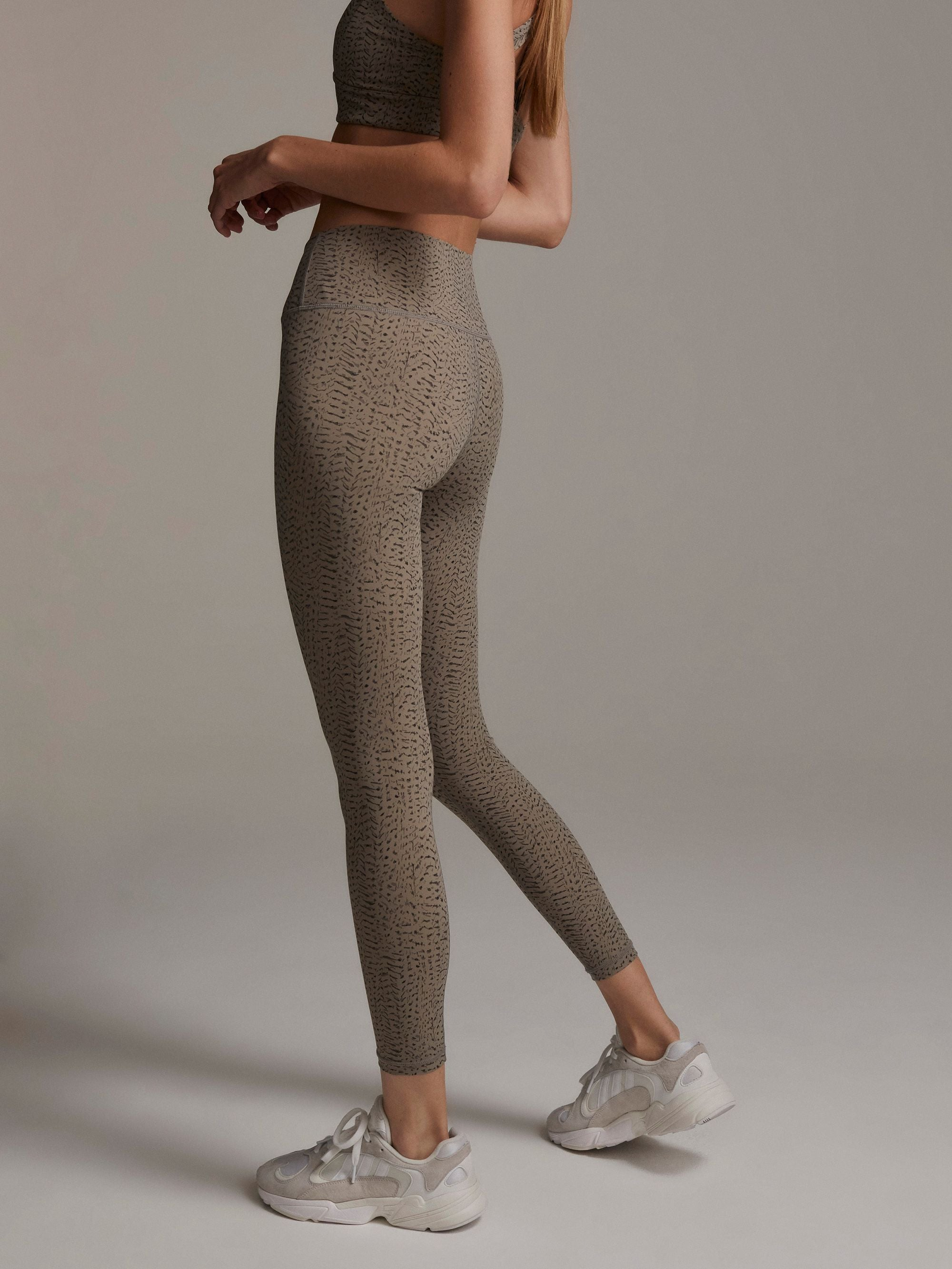 Luna Legging In Taupe Feather