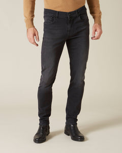 Slimmy Tapered Luxe Performance Plus Washed Black Jean