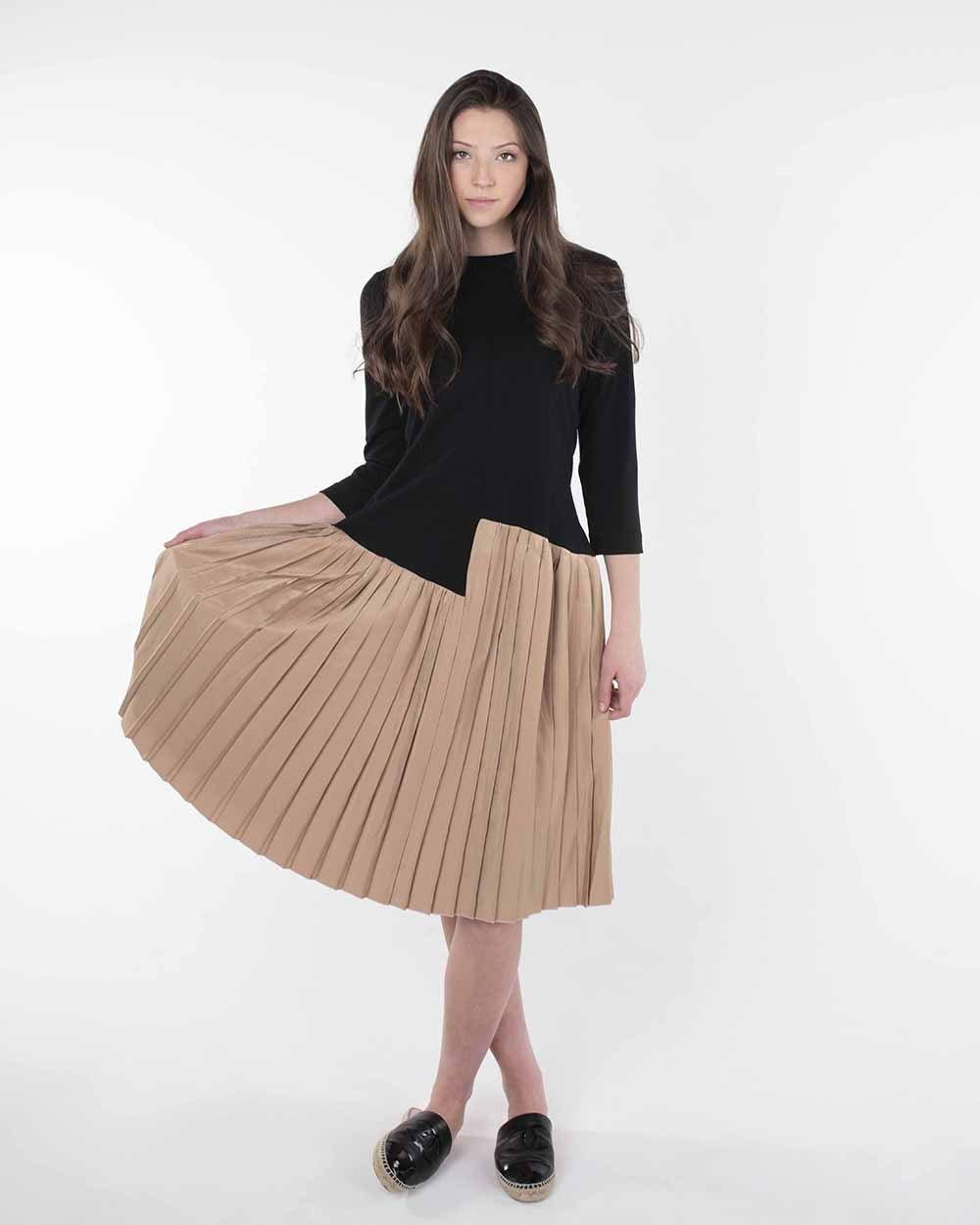 Note Two Tone Pleat Dress