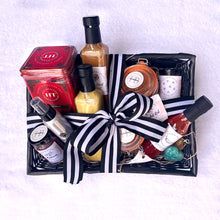 Load image into Gallery viewer, Holiday Gift Baskets