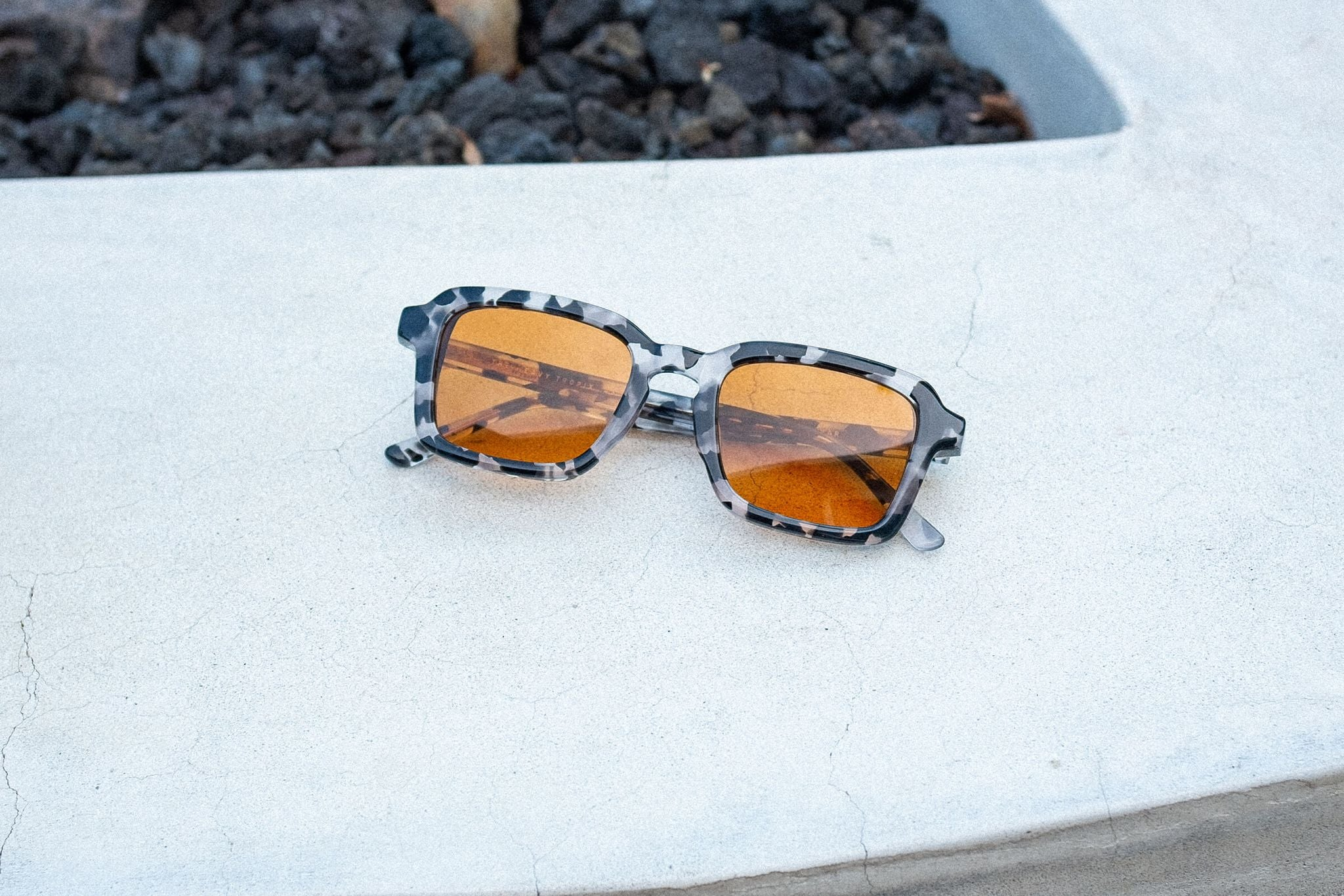 THE HEAVY TROPIX / ONYX TORTOISE BIO & BURNT ORANGE