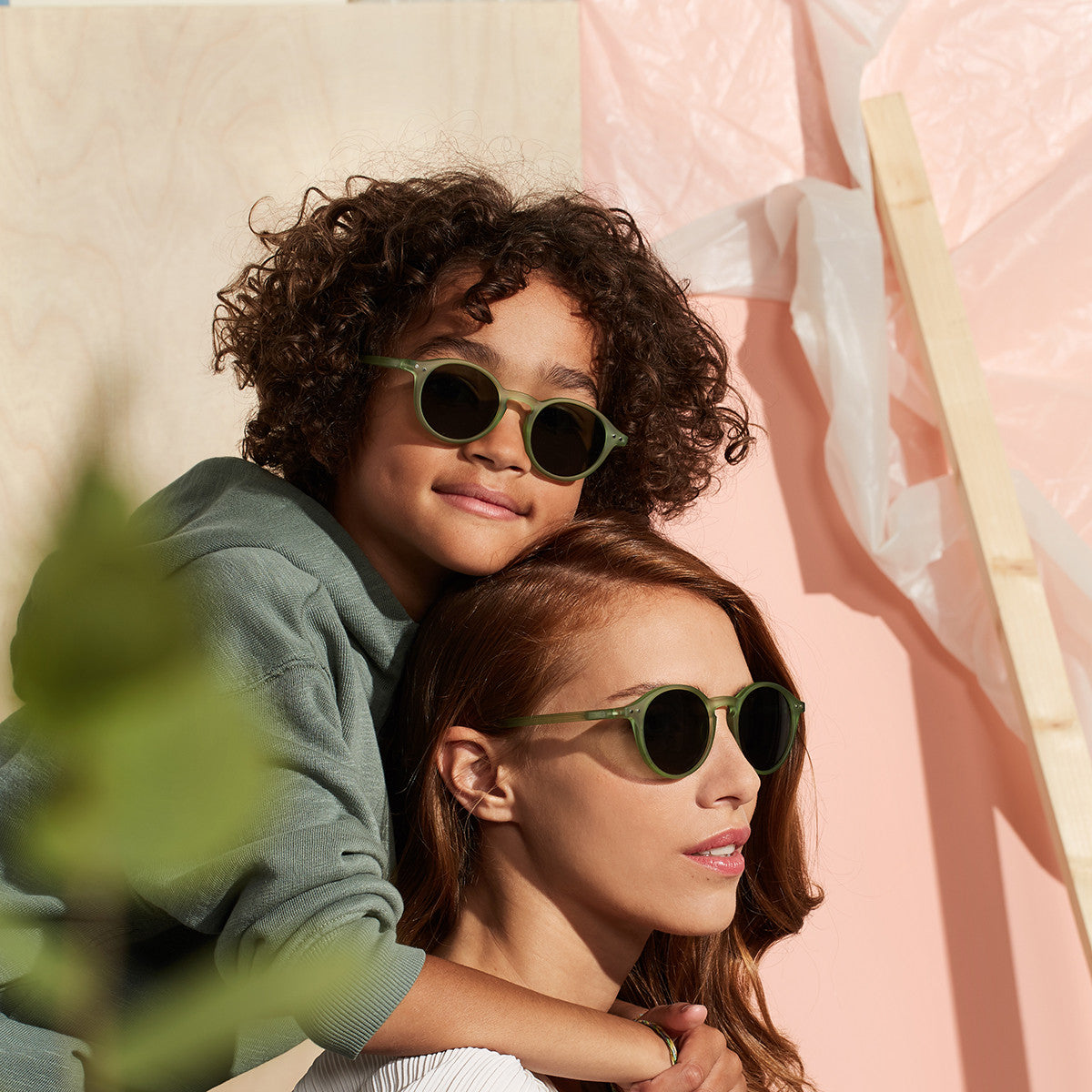 JUNIOR KIDS SUNGLASSES / 3-10 YEARS / STYLE D / DEFTY GREY