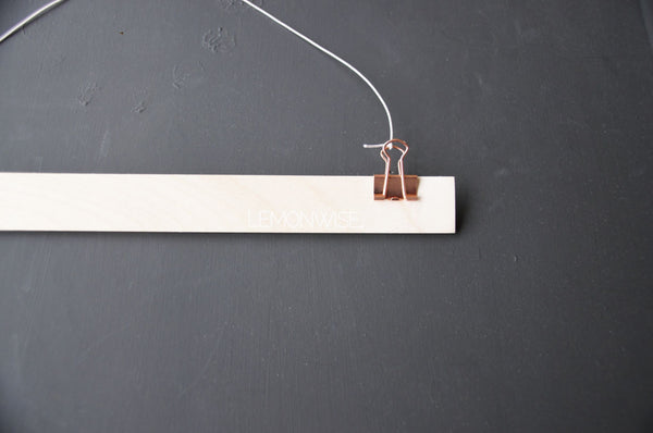 Wandhanger hout for Stitched Art - Bronze Metal