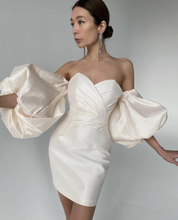 Load image into Gallery viewer, Amelie Baku offwhite pink sweetheart puff sleeve dress scarlt.com