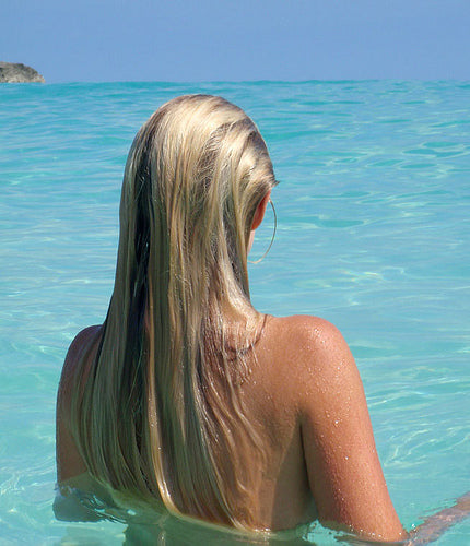 Wet hair with cold water to help roots | viva la blonde