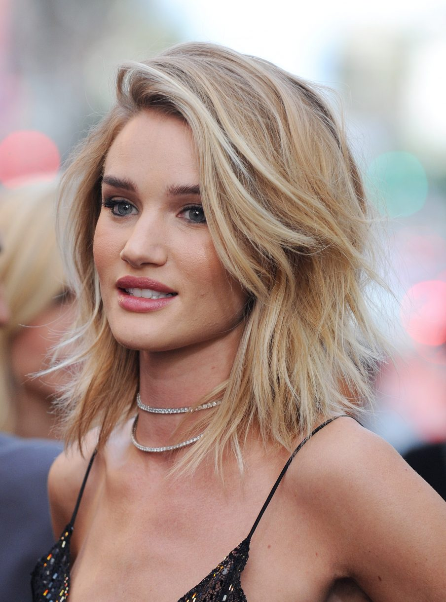 Rosie Huntington-Whitley wearing the long bob trend on red carpet