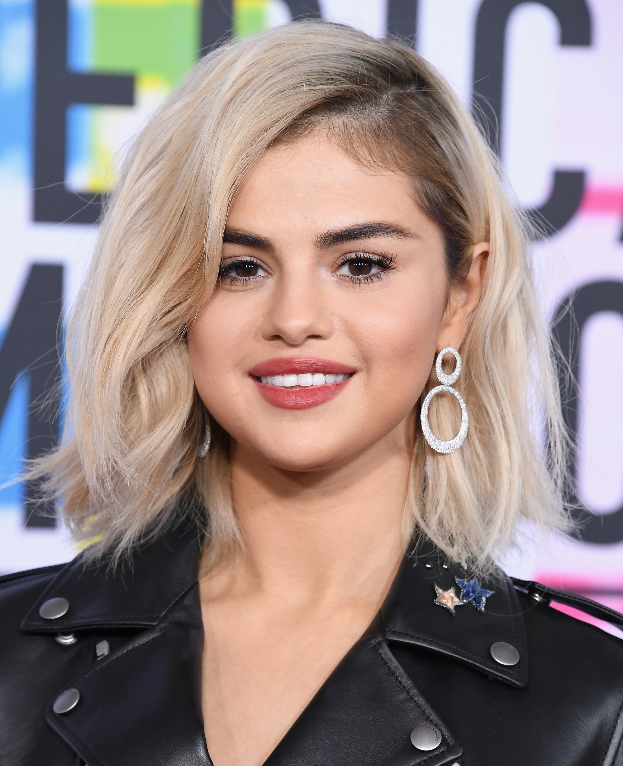 Selena Gomez blonde messy bob hairstyle 2019