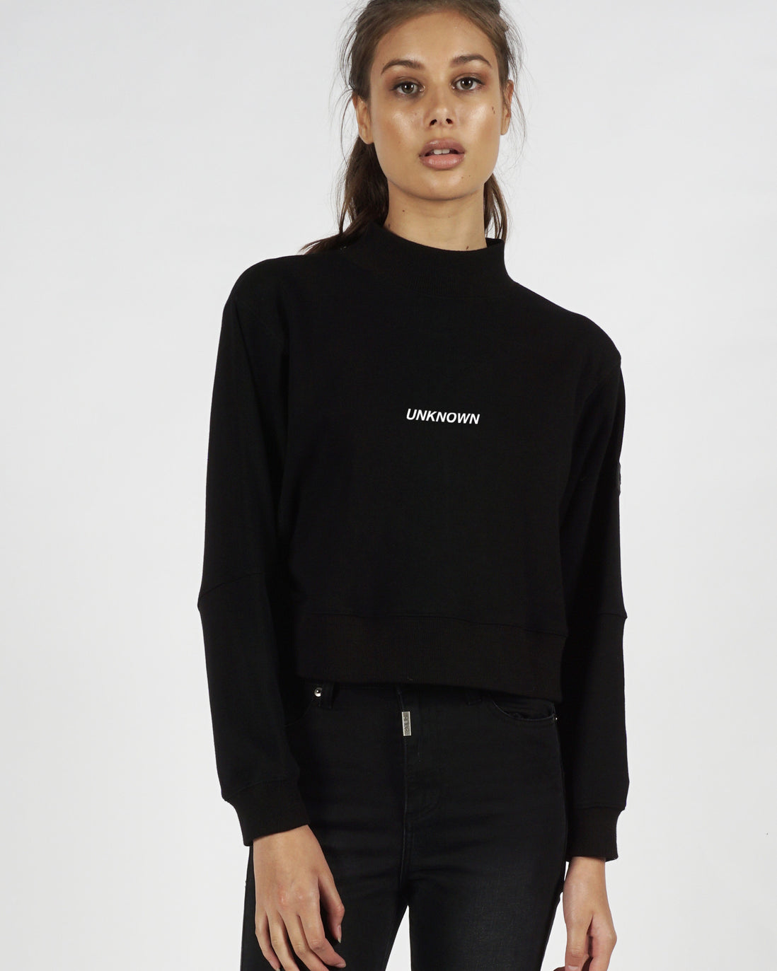 UNKNOWN CROP SWEATER